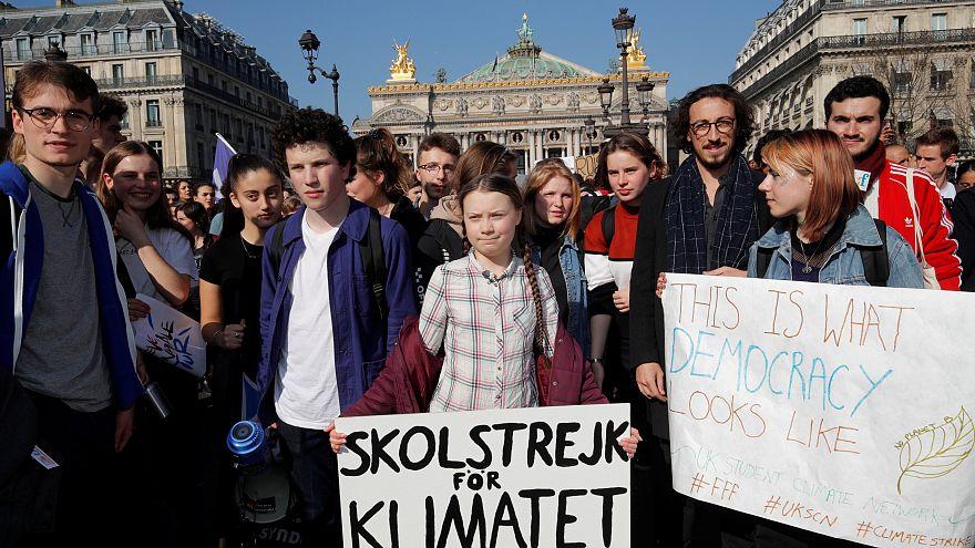 Paris: Klimamarsch mit 16-jähriger Gallionsfigur