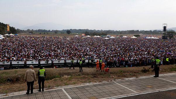 Machtkampf in Venezuela auf 2 Konzertbühnen verlegt