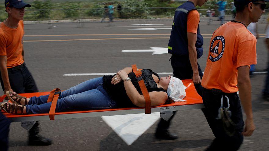 Venezuela: sale la tensione alla vigilia dell'arrivo degli aiuti