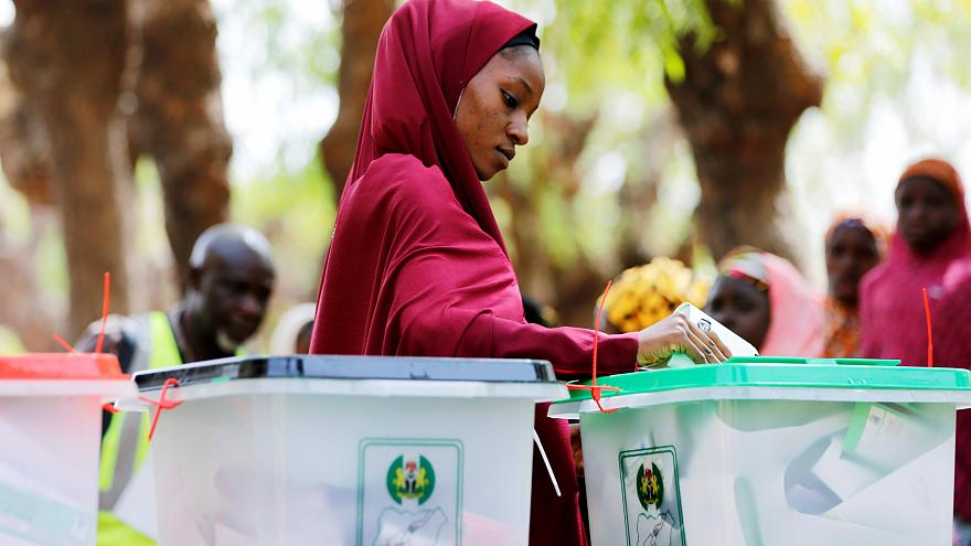Nijerya'da 73 milyon kişi ertelenen devlet başkanlığı seçimi için sandık başında