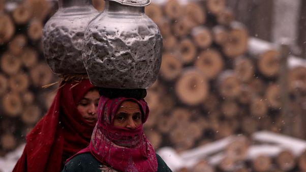 وفاة 150 هنديا على الأقل وإصابة 170 بعد شرب خمور ملوثة سامة مغشوشة