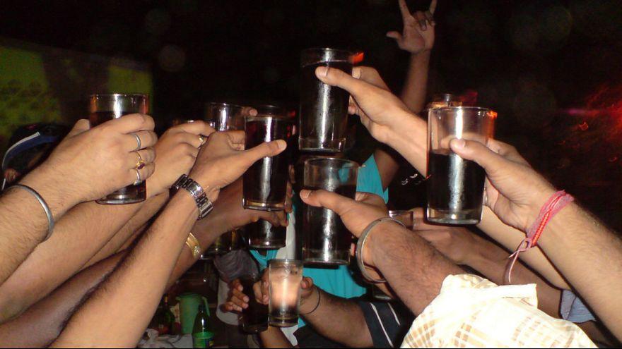 مشروب تقلبی جان ۸۴ نفر را در هند گرفت