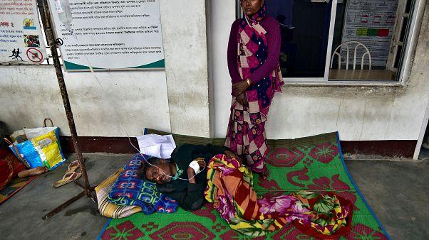 139 Tote nach Konsum von schwarz gebranntem Schnaps in Indien