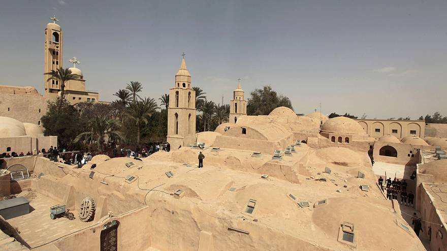 منظر عام لدير القديس الأنبا بيشوي بوادي النطرون شمال القاهرة