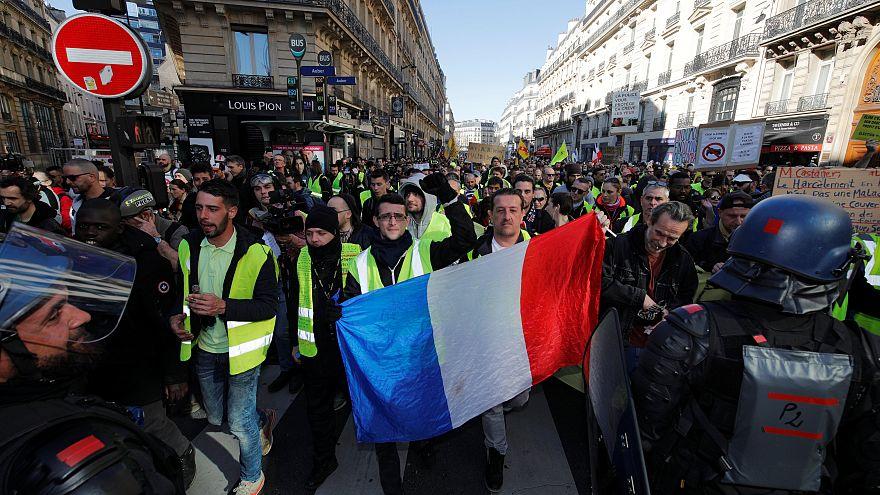 متظاهرو السترات الصفراء في باريس