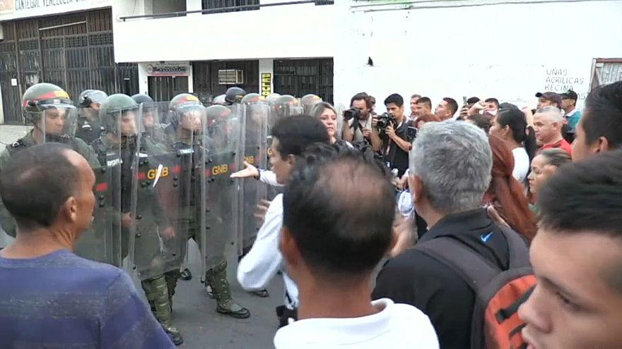 Affrontements à la frontière vénézuélienne pour l'accès à l'aide humanitaire