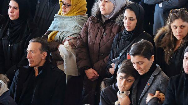 مئات الكنديين يشيعون جثامين سبعة أطفال سوريين قضوا في حريق في هاليفاكس