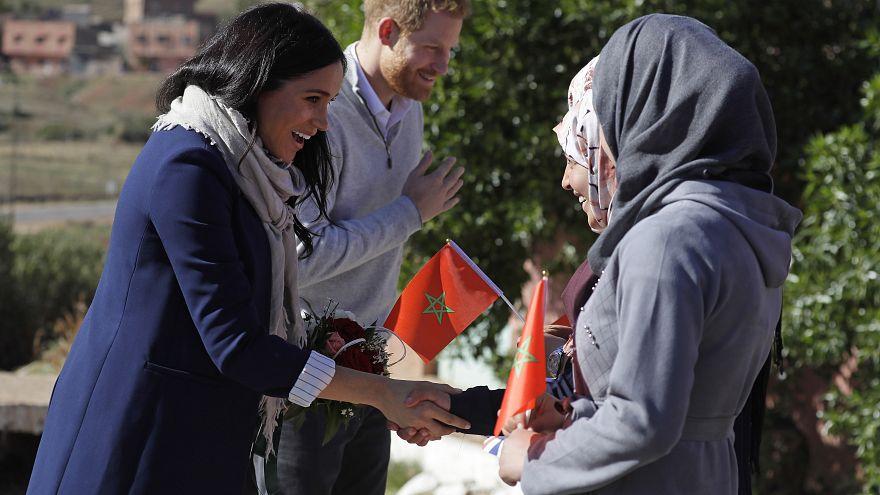 الأمير هاري وعقيلته الأميرة ميغان ماركل خلال زيارة لمنطقة جبال أطلس بالمغرب