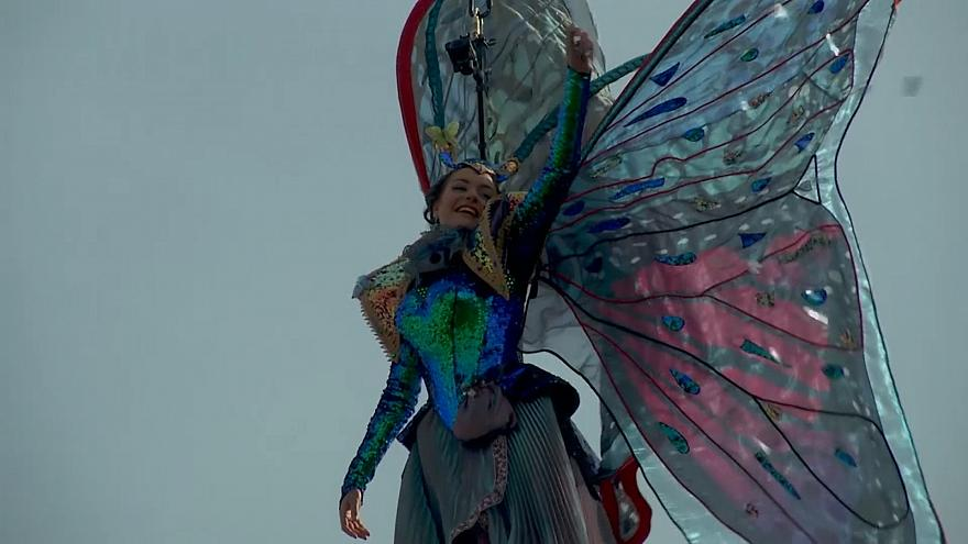Venecia inicia su carnaval con el 'Vuelo del Ángel'