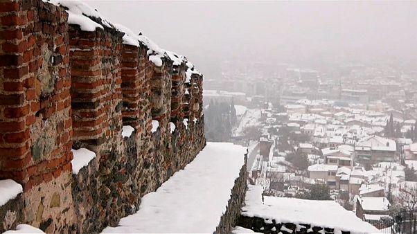 Грецию засыпало снегом