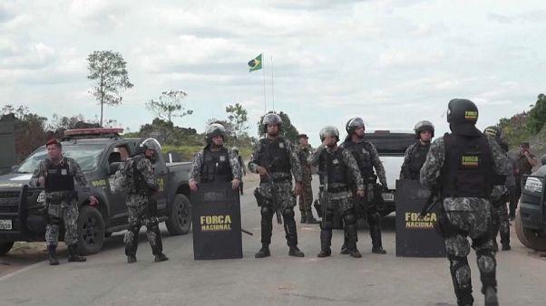 Kolombiya-Venezuela sınırında yoğun çatışmalara sahne olan iki uluslararası köprüde gerginlik düştü