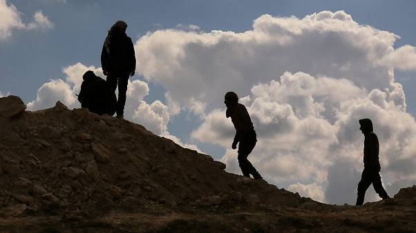 280 IŞİD militanı Suriye'den Irak'a teslim edildi