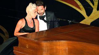 Lady Gaga y Bradley Cooper emocionan con su actuación en los Óscar