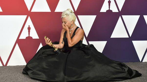 """Lady Gaga, ganadora del premio a la mejor canción original por """"Shallow"""""""