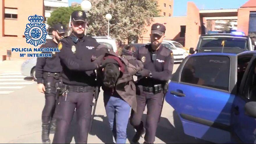 بازداشت مردی که مادرش را تکهتکه کرد و گوشتش را خورد