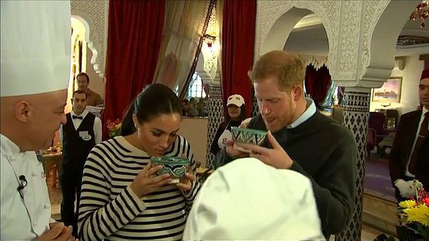 هاري وميغان يتذوقان المأكولات المغربية