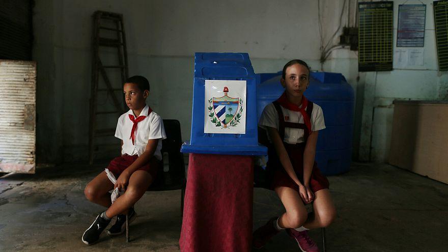 Los cubanos dicen 'sí' a su nueva Constitución