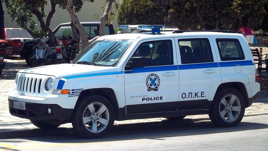 سيارة تابعة للشرطة اليونانية