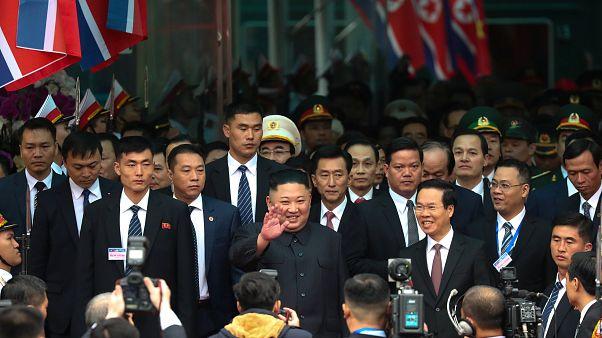 Kim Jong Un chega ao Vietname