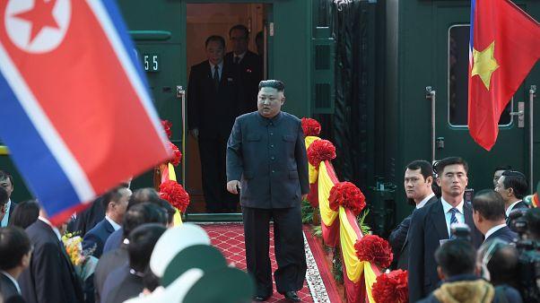 استقبال حافل لزعيم كوريا الشمالية في فيتنام قبيل وصول ترامب لعقد قمتهما