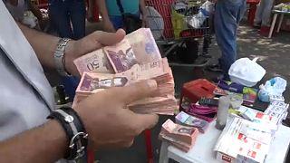Tízezrek járnak Kolumbiába vásárolni Venezuelából