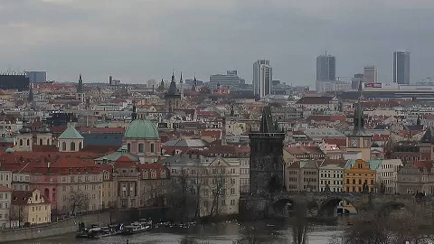 Ingyenes tömegközlekedés a szmog ellen Prágában