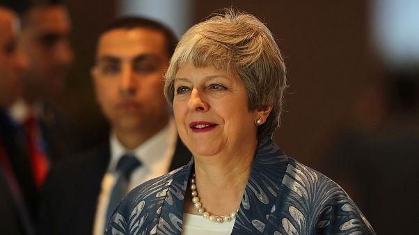 İngiltere Başbakanı May: Brexit'te anlaşmasız ayrılık ve erteleme seçenekleri gündemde