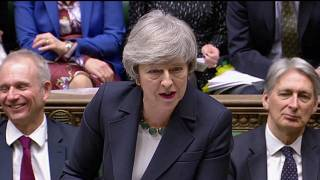 Μέι: Brexit χωρίς συμφωνία ή αναβολή