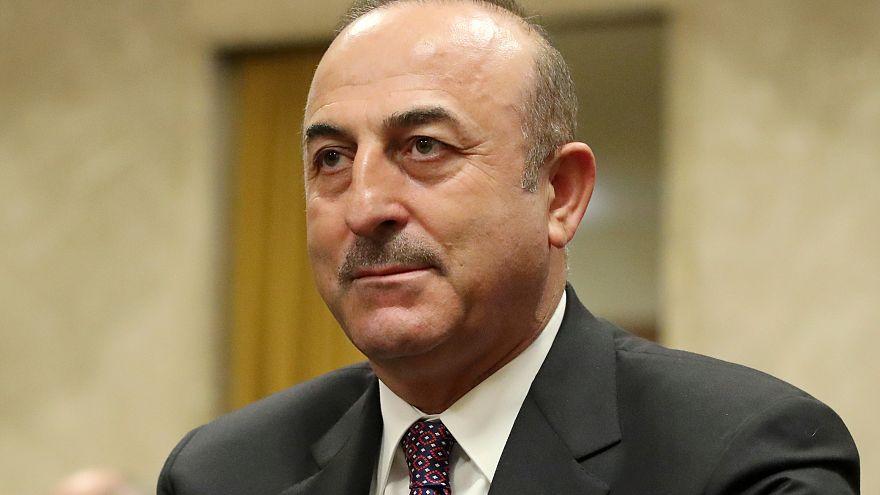 وزير الخارجية التركي مولود جاويش أوغلو في جنيف