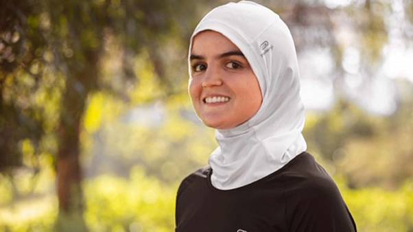 """مجموعة """"ديكاتلون"""" تتراجع عن تسويق حجاب الركض في فرنسا بعد تهديدات"""