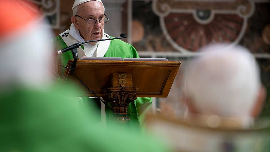 """""""Son delitos, no pecados"""": Víctimas critican la inacción de la cumbre sobre pederastia del Vaticano"""