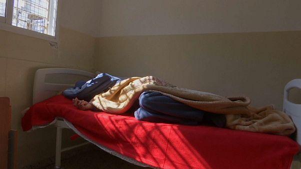 مدمن في احدى مصحات غزة لعلاج الإدمان