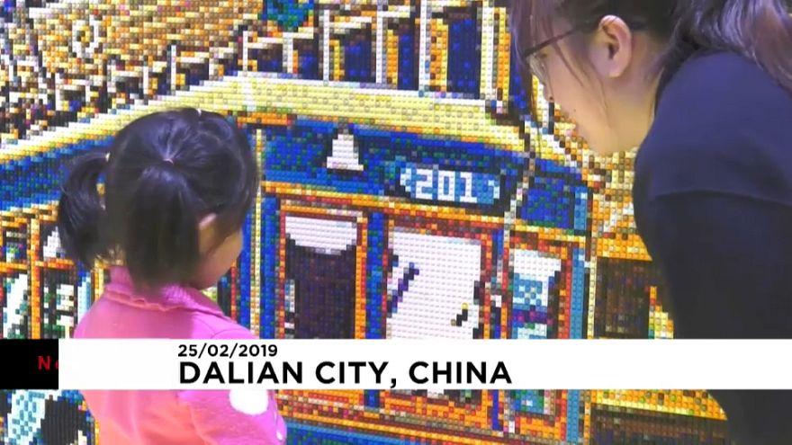 Straßenbahn aus 80.000 Legos
