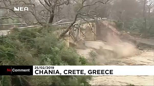 Összeomlott egy híd Krétán
