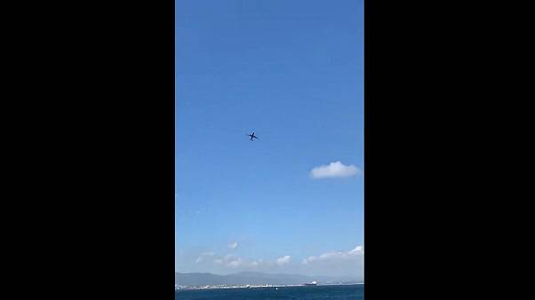 Drámai videó a British Airways gépének leszállási próbálkozásáról