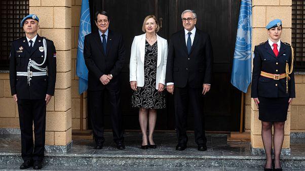 Kıbrıs görüşmelerinden elektrik ve GSM'de birleşme kararı çıktı