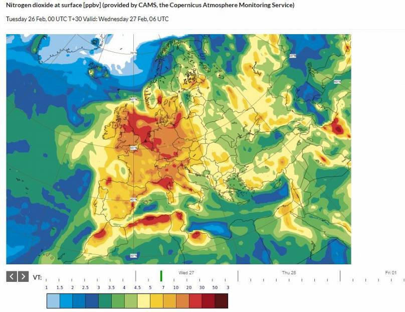 Air pollution: the downside of Europe's exceptionally warm