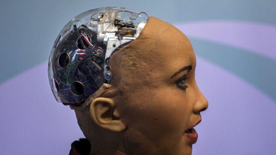 سوفیا، ربات انساننما: عواطف انسانی را درک میکنم اما هنوز احساسشان نمیکنم