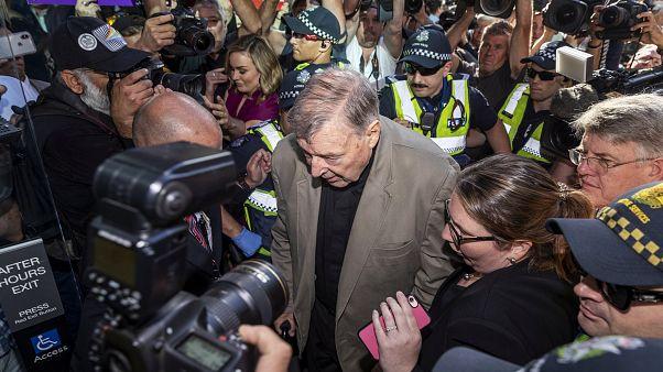 Detenido el cardenal Pell a la espera de sentencia