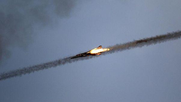 Hindistan ve Pakistan savaşın eşiğinde: İki uçak düşürüldü