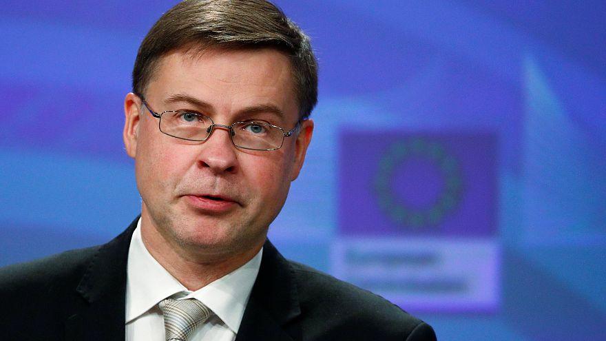 Bruselas alerta sobre el paro y los contratos precarios en España
