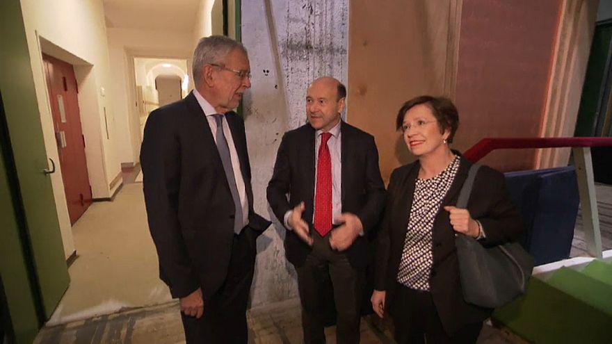 """Wiener Opernball: Van der Bellen """"schwer beeindruckt"""""""