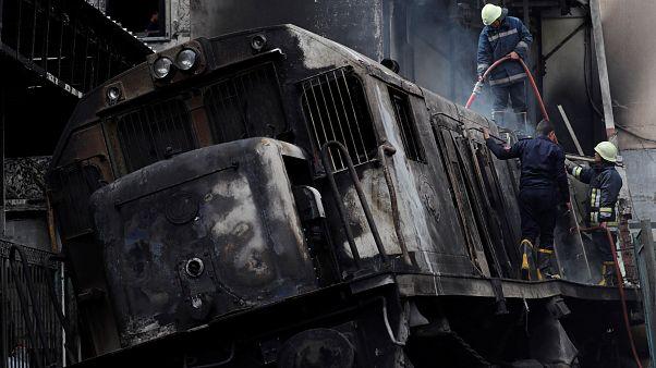Kahire'de tren istasyonunda yangın: 25 ölü, 50 yaralı