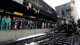 Zugunglück und Brand im Hauptbahnhof vin Kairo