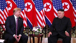 Kim und Trump: Handschlag und warme Worte