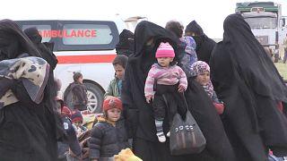 Nouvelles évacuations à Baghouz, dernière poche djihadiste en Syrie