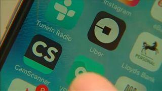 London: Egy ponttal vezet az Uber a taxisok előtt