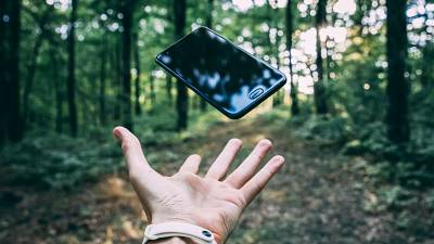 Trying to be eco-friendly? You should start with your choice of new phone