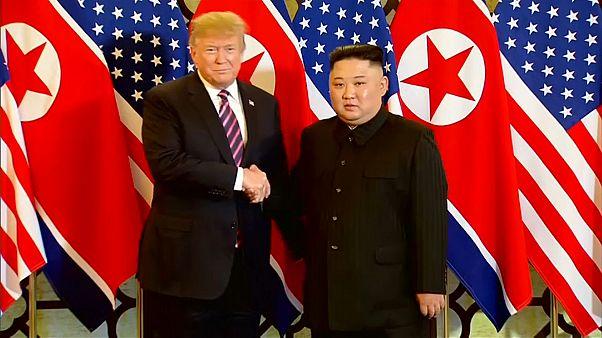 Σε φιλικό κλίμα το δείπνο του Ντόναλντ Τραμπ με τον Κιμ Γιονγκ Ουν