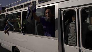 Απελευθερώθηκαν 100 πολιτικοί κρατούμενοι